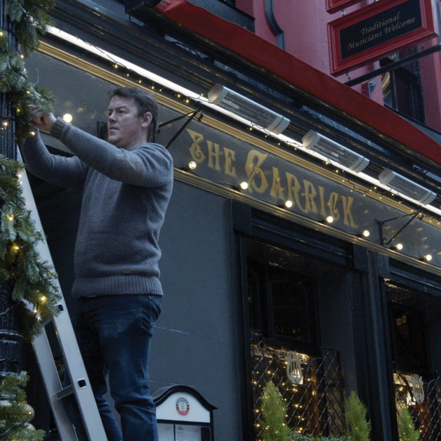 #KEEPTHELIGHTSON – Pubs nationwide turning on their Christmas lights to highlight their readiness for a safe reopening Image